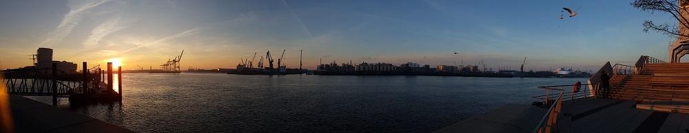Abendstimmung an der Elbe - Servicepaket - Logistikdienstleister Contibridge