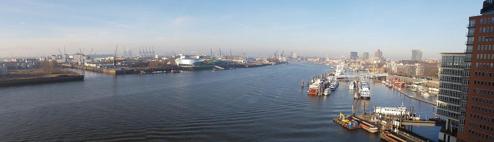 Blick von der Elbphilharmonie - Contibridge Container-Spedition in Hamburg
